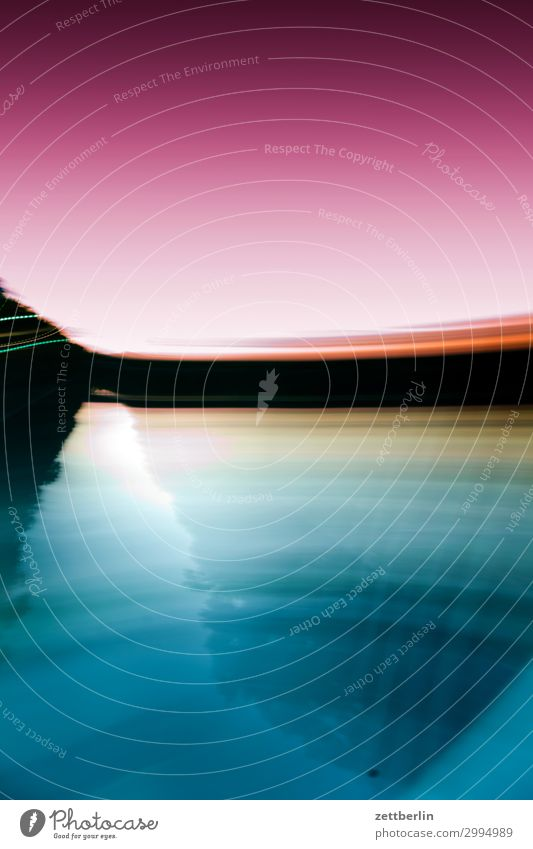 Schnelle Bewegung Abend Abenddämmerung Berlin Dämmerung Kanal Schifffahrt teltowkanal Wasserstraße Geschwindigkeit Eile Bewegungsunschärfe Sport Wischen