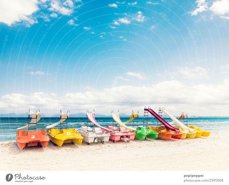 Tretboote Freizeit & Hobby Bootsfahrt Ferien & Urlaub & Reisen Tourismus Ausflug Sommerurlaub Strand Meer Wassersport Sand Himmel Wellen Küste Schifffahrt