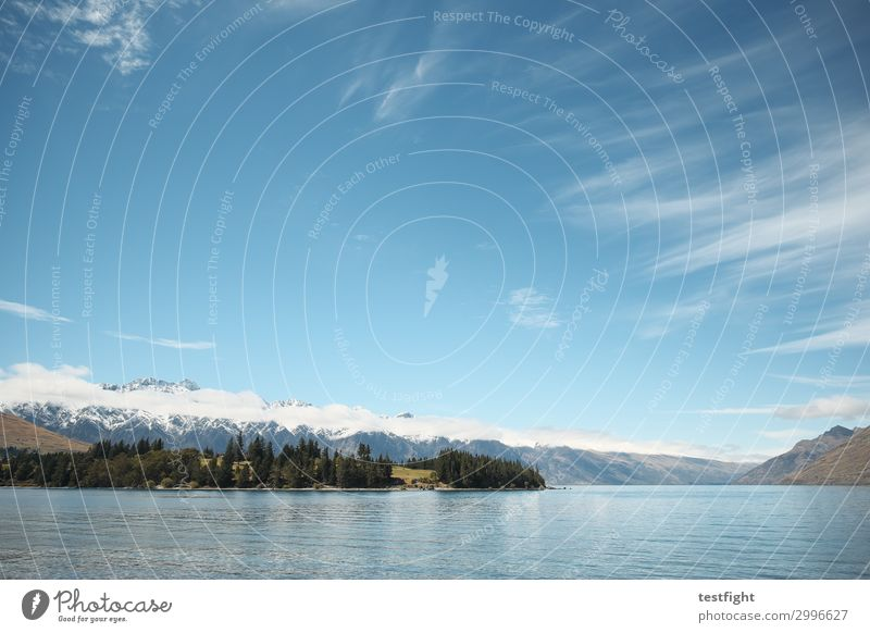 the remarkables Umwelt Natur Landschaft Pflanze Sonne Berge u. Gebirge Gipfel Schneebedeckte Gipfel Seeufer Ferien & Urlaub & Reisen Wolken Neuseeland