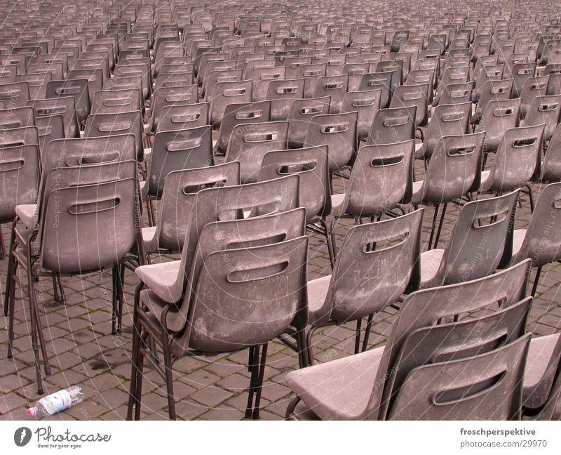 erhebt euch zum gebet Stuhl Muster grau Open Air Freizeit & Hobby Reihe sitzen Gottesdienst kuntsstoff leer