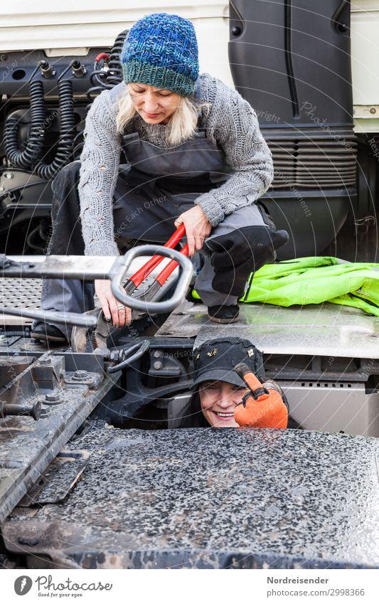 Böser Finger Arbeit & Erwerbstätigkeit Beruf Handwerker Arbeitsplatz Güterverkehr & Logistik Mittelstand Werkzeug Mensch feminin Frau Erwachsene 2 Verkehr
