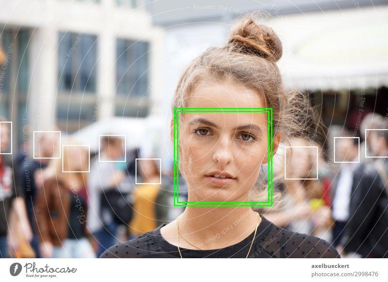 Automatische Gesichtserkennung in Menschenmasse Lifestyle Software Technik & Technologie Wissenschaften Fortschritt Zukunft High-Tech Informationstechnologie