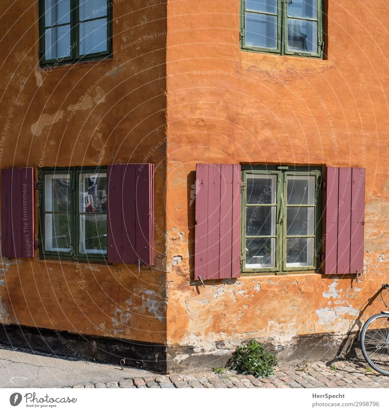 Nice Corner Sightseeing Städtereise Häusliches Leben Wohnung Kopenhagen Altstadt Haus Bauwerk Gebäude Architektur Mauer Wand Fenster Fahrrad alt ästhetisch