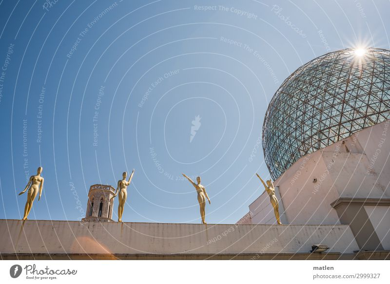 Dali Kunst Museum Skulptur Architektur Wolkenloser Himmel Schönes Wetter Menschenleer Mauer Wand Fassade Dach Sehenswürdigkeit glänzend blau braun gold grau
