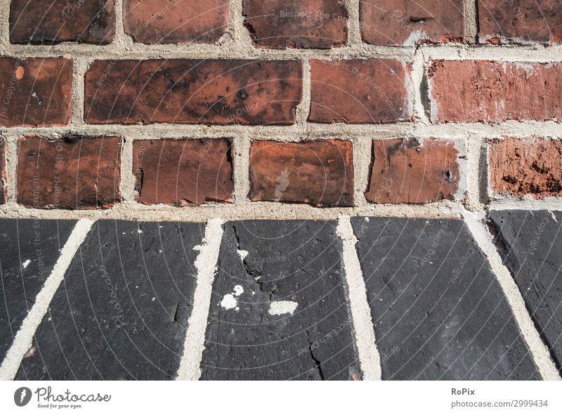 Detail einer historischen Backsteinfassade. Wand wall brick backstein ziegel architektur haus hauswand stadt urban städisch kunst fingerprints mauerwerk stone