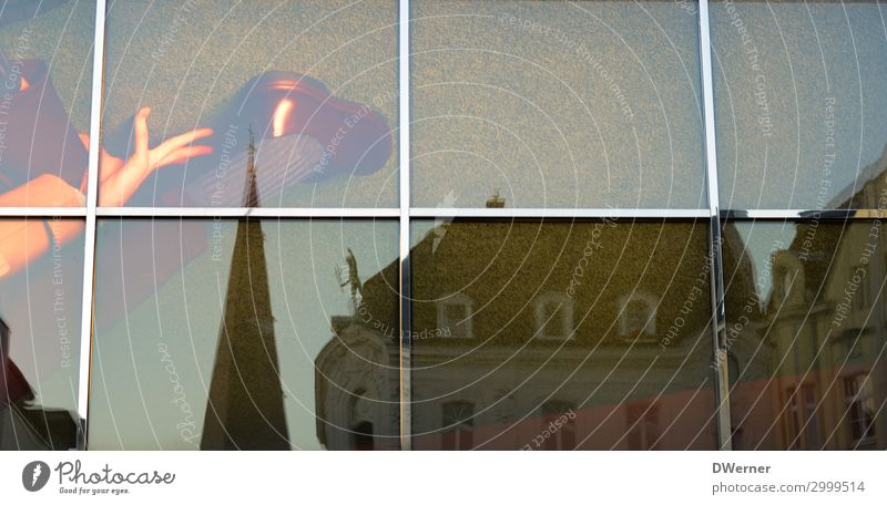 Bonner Fenster kaufen elegant Häusliches Leben Wohnung Haus Stadtzentrum Kirche Turm Bauwerk Architektur Fassade Schuhe Glas Erotik selbstbewußt