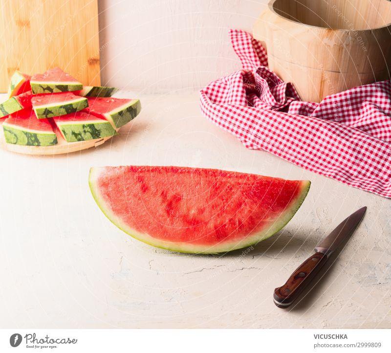 Stück Wassermelone mit Messer Lebensmittel Frucht Dessert Ernährung Stil Gesunde Ernährung Sommer Tisch Design Teile u. Stücke Küche Foodfotografie Farbfoto