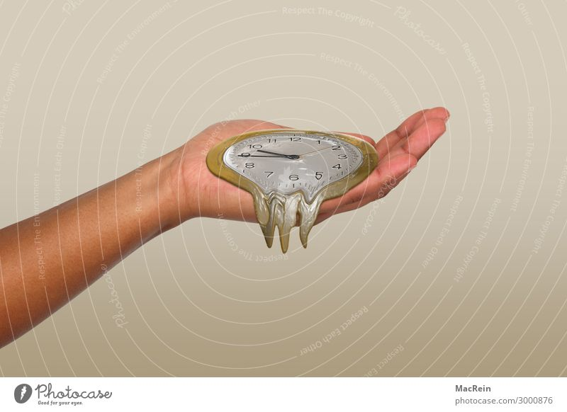 Die Zeit läuft weg Mensch Hand Kunst Zeichen gelb gold Frauenhand Symbole & Metaphern Eile zerrinnen Uhr Handfläche Farbfoto Innenaufnahme Studioaufnahme