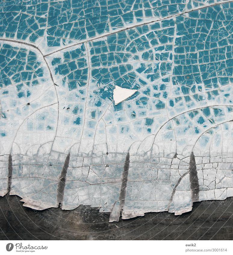 Trockendeck Farbstoff abblättern Kunststoff alt trashig trocken türkis Zahn der Zeit verfallen Farbfoto Gedeckte Farben Außenaufnahme Detailaufnahme Muster