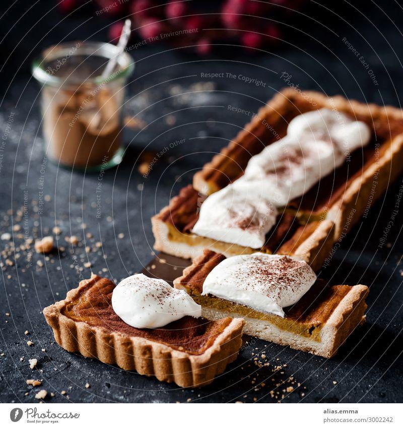 Pumpkin Pie - Kürbis Tarte tarte pie Hokkaido Herbst Sommer süß Kuchen backen Dessert Backwaren Saison Kürbiszeit Kürbisgewächse dunkel Hintergrundbild genießen