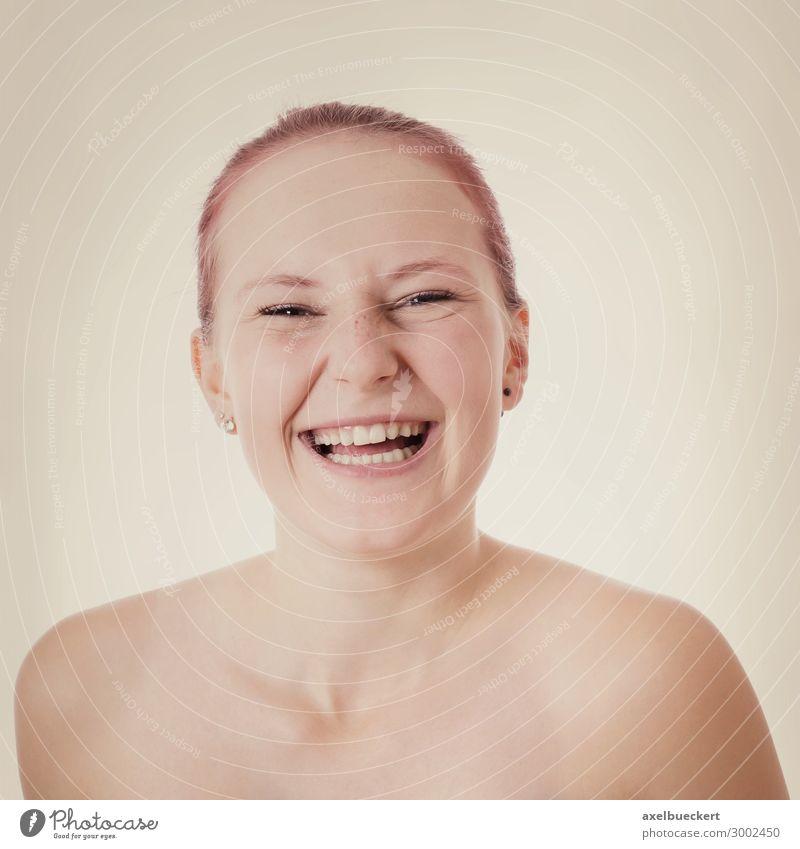 junge Frau lacht Lifestyle Freude schön Mensch feminin Junge Frau Jugendliche Erwachsene 1 18-30 Jahre rothaarig Lächeln lachen Fröhlichkeit frisch lustig