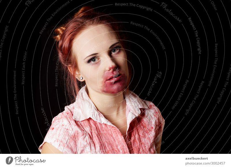 weiblicher Zombie Lifestyle Schminke Freizeit & Hobby Spielen Karneval Halloween Mensch feminin Junge Frau Jugendliche Erwachsene 1 13-18 Jahre 18-30 Jahre