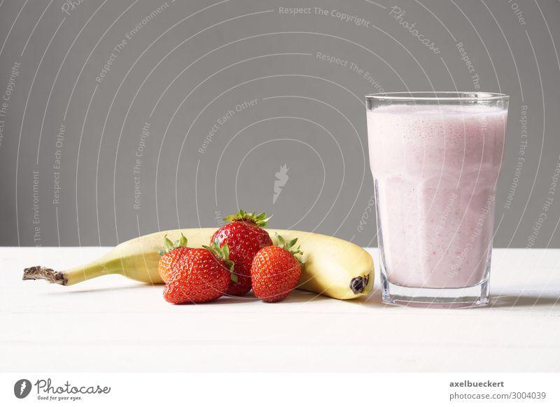 Smoothie Milchshake Erdbeer Banane Lebensmittel Frucht Ernährung Getränk Saft Lifestyle Gesundheit Gesunde Ernährung lecker rosa rot Vitamin C Snack horizontal