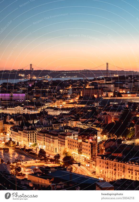 Erleuchtetes Lissabon un der Tejo nach Sonnenuntergang Ferien & Urlaub & Reisen Tourismus Ausflug Abenteuer Sightseeing Städtereise Sommer Fluss Portugal Stadt