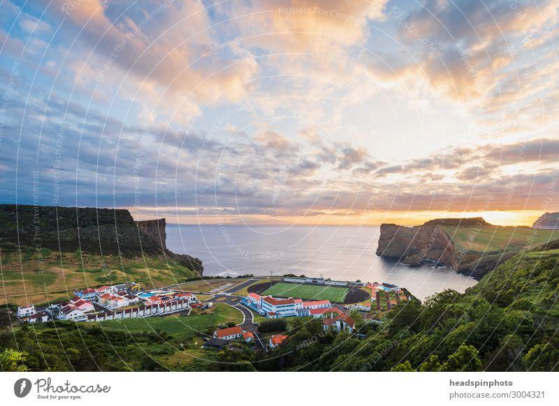 Fussballplatz am Meer bei Sonnenuntergang, Azoren Fitness Freizeit & Hobby Ferien & Urlaub & Reisen Tourismus Ausflug Sightseeing Sport Ballsport Sportstätten