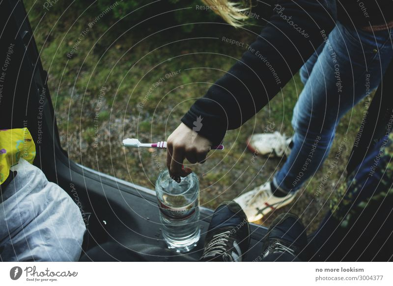 reduce to the max 2 Mensch 13-18 Jahre Jugendliche 18-30 Jahre Erwachsene 30-45 Jahre Tourismus Zahnpflege Zahnbürste Camping Campingplatz
