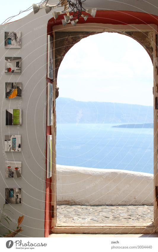 luftig | mit Ausblick blau Wasser Meer Haus Fenster Wand Küste Mauer Häusliches Leben Wohnung Tür Insel Dorf Balkon Mittelmeer Terrasse