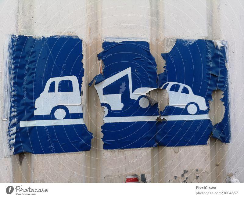 Parkverbot Lifestyle Verkehr Verkehrsmittel Straßenverkehr Autofahren Fahrzeug PKW Zeichen Schriftzeichen weiß Verbote Farbfoto Außenaufnahme Menschenleer