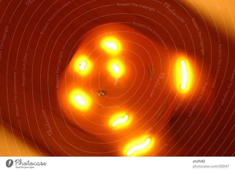 lamp Lampe Licht Flur Dinge orange Decke halogen Raum