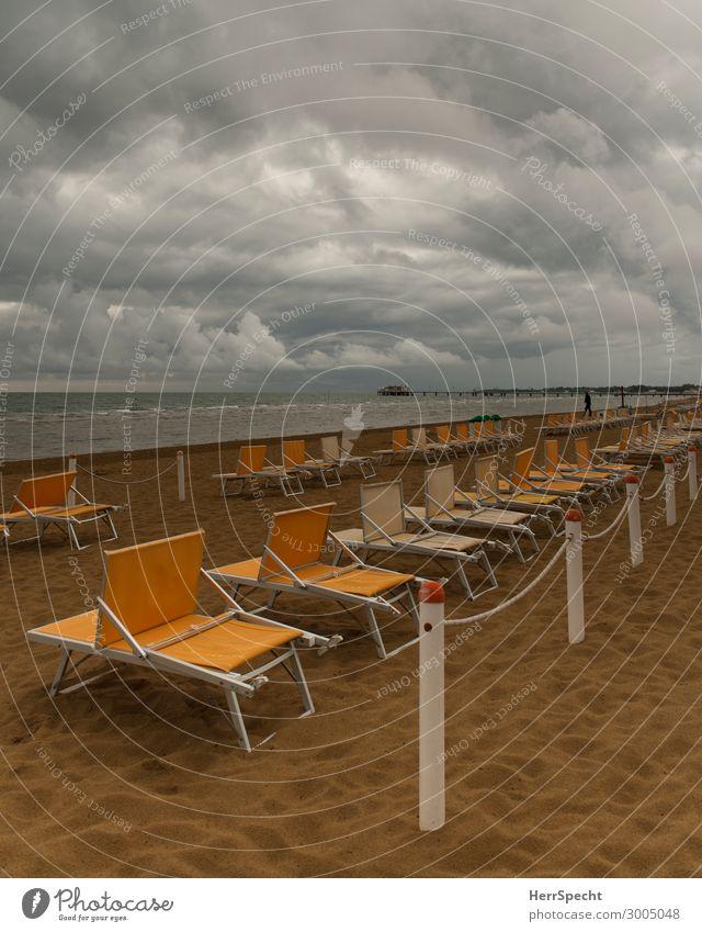 Before the storm Lifestyle Ferien & Urlaub & Reisen Tourismus Sommerurlaub Sonnenbad Strand Meer Urelemente Himmel Wolken Gewitterwolken Wetter