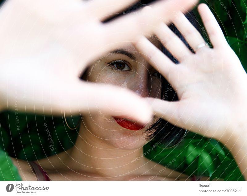 Frau im Unterholz IV Lifestyle Stil schön Sommer Garten Mensch feminin Junge Frau Jugendliche Erwachsene Kopf Gesicht 1 18-30 Jahre Natur Park Mode Unterwäsche