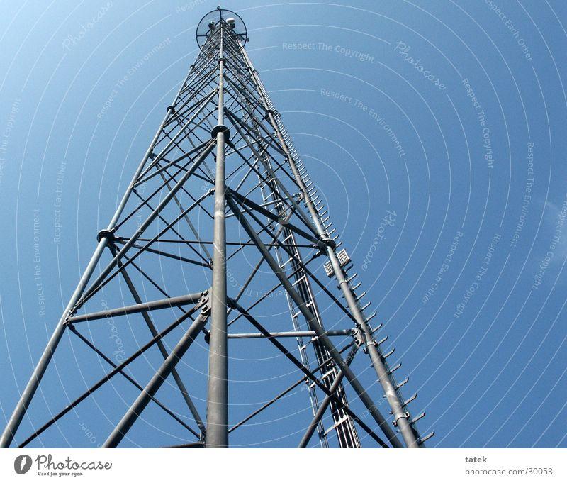 HighRise1 Sendemast Klarer Himmel streben Industrie Perspektive Strommast