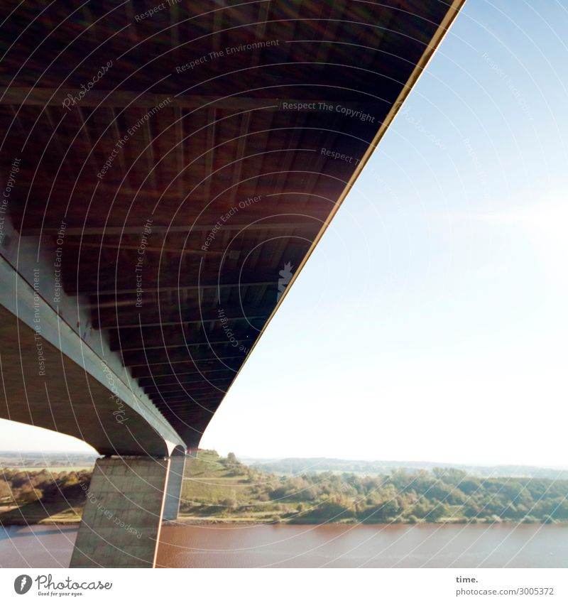 großzügig Landschaft Wasser Himmel Horizont Schönes Wetter Flussufer Brücke Bauwerk Gebäude Architektur Sehenswürdigkeit Verkehr Straße Autobahn Stein Beton