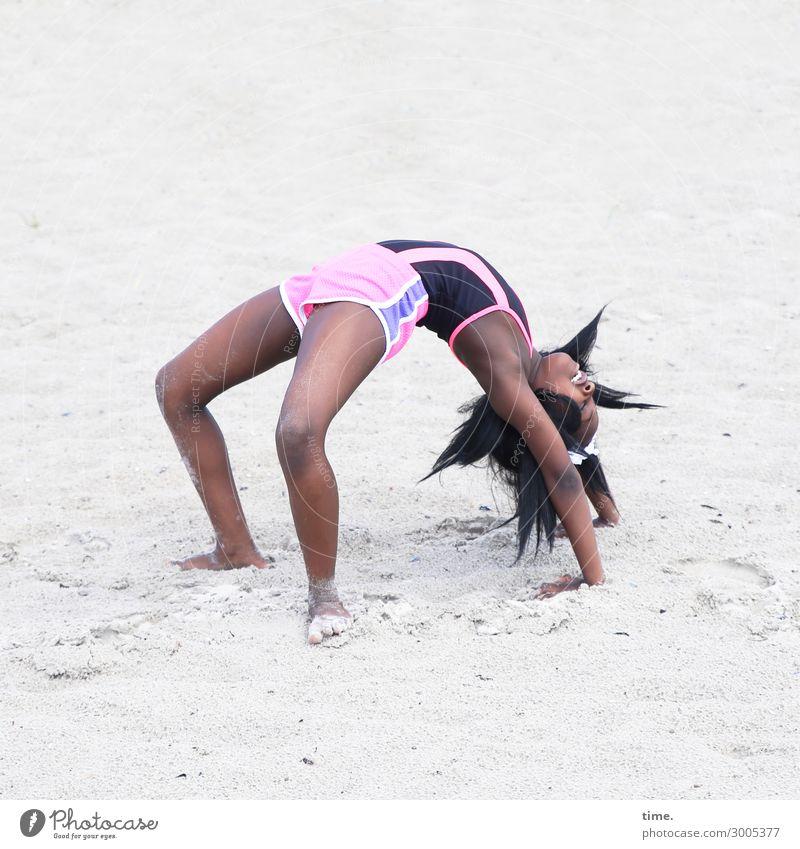 Gloria Mensch Freude Mädchen Strand Leben feminin Sport Bewegung lachen Spielen Sand Kreativität Lebensfreude Fitness Energie T-Shirt