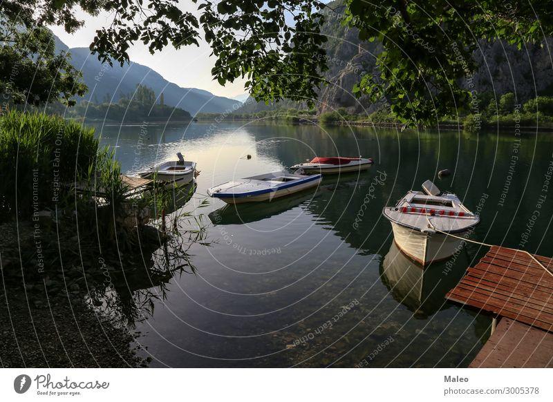 Fischerboote auf dem See Himmel Ferien & Urlaub & Reisen Natur Sommer schön Wasser Landschaft Sonne Erholung ruhig Reisefotografie Hintergrundbild Frühling