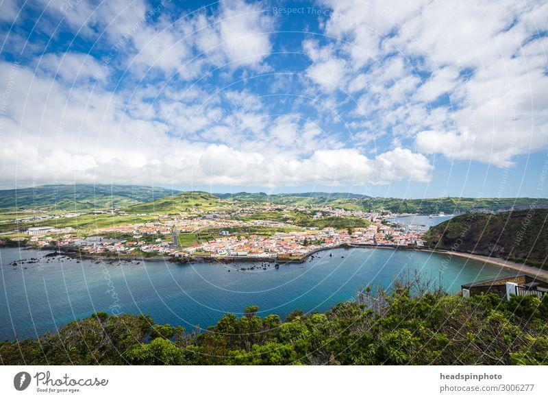 Panorama der Hafenstadt Horta auf Faial, Azoren Himmel Ferien & Urlaub & Reisen Sommer Pflanze blau Landschaft Meer Wolken Strand Küste Tourismus Wellen Insel