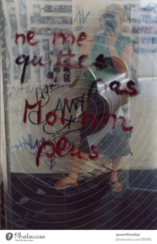 vielschichtig Reflexion & Spiegelung Redewendung durchsichtig Frau Fensterscheibe