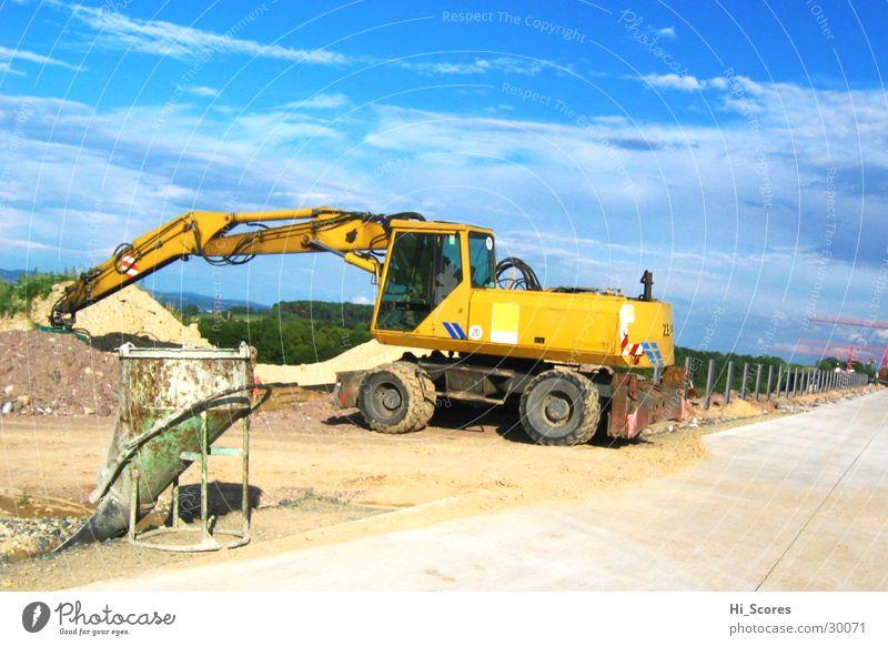 ZM 19 Straße Arbeit & Erwerbstätigkeit Kraft dreckig Beton Verkehr Industrie Baustelle Asphalt Dresden Autobahn Maschine Verkehrswege Straßenbelag Bagger