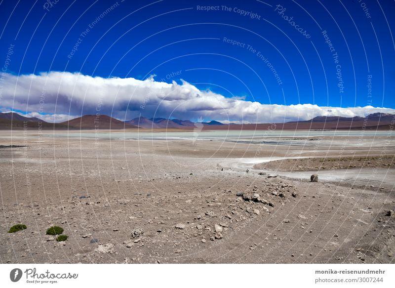 Altiplano-Hochebene altiplano Bolivien Vulkan Salzsee Salzwüste Südamerika breit Einsamkeit