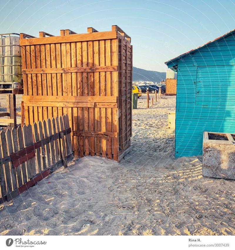 PalettenKlo Ferien & Urlaub & Reisen blau Sonne Erholung ruhig Strand außergewöhnlich braun Kreativität authentisch Sommerurlaub Zaun Hütte Toilette
