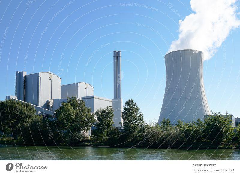 Gemeinschaftskraftwerk Hannover Energiewirtschaft Kohlekraftwerk Energiekrise Industrie Umwelt Wolkenloser Himmel Klima Klimawandel Flussufer Stadt Stadtrand