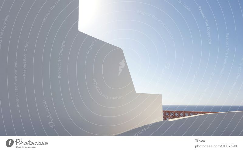 Außenwand von spanischem Ferienhaus mit Meerblick Wolkenloser Himmel Sommer Schönes Wetter Haus Traumhaus Gebäude Architektur Mauer Wand Erholung ruhig