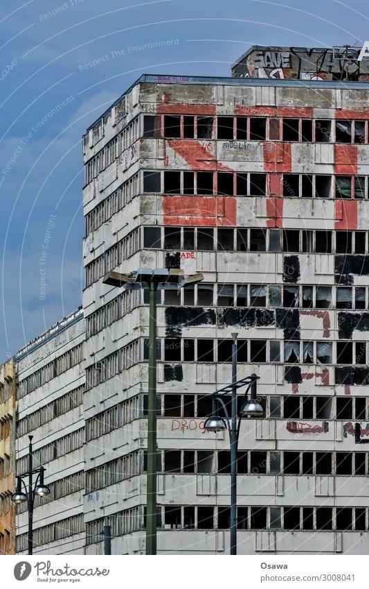 Ruine Plattenbau Neubau Bürogebäude Menschenleer Unbewohnt Leerstand Verfall vernachlässigen Aufgabe verfallen Graffiti Tag Architektur Berlin Alexanderplatz