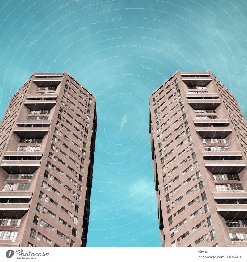 doppelte Haushaltsführung Himmel Wolken New York City Stadtzentrum Hochhaus Turm Bauwerk Gebäude Architektur Mauer Wand Fassade Balkon Fenster hoch Wachsamkeit