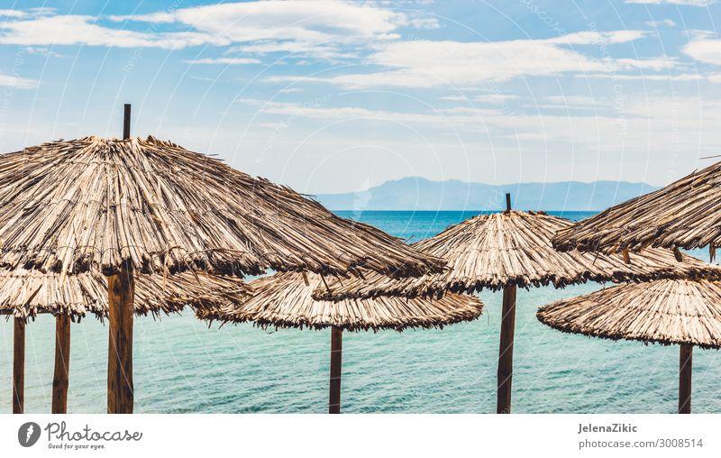 Strohschirme am tropischen Strand exotisch schön Erholung Freizeit & Hobby Ferien & Urlaub & Reisen Tourismus Sommer Sommerurlaub Sonne Sonnenbad Meer Insel