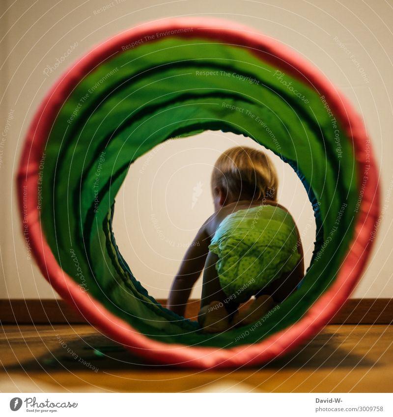Das macht Spaß Kind Mensch Freude Mädchen Leben Bewegung Junge Kunst Spielen Kindheit Baby niedlich beobachten entdecken Kleinkind Euphorie