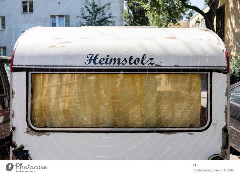 wohnwagen Verkehr Verkehrsmittel Wohnmobil Wohnwagen Gardine Schriftzeichen Gefühle Zufriedenheit Geborgenheit Mobilität Nostalgie Häusliches Leben Heimat Stolz