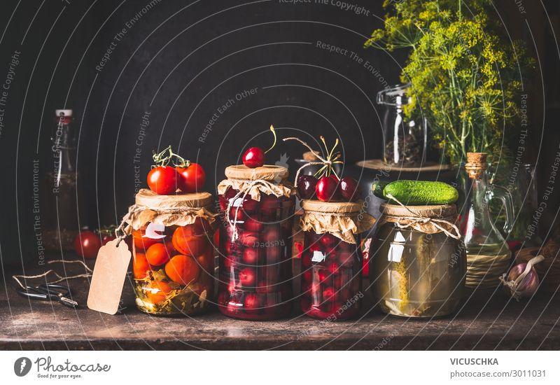 Konservierte und fermentierte Lebensmittel in Gläsern Gemüse Frucht Ernährung Bioprodukte Vegetarische Ernährung Diät Glas kaufen Design Gesunde Ernährung
