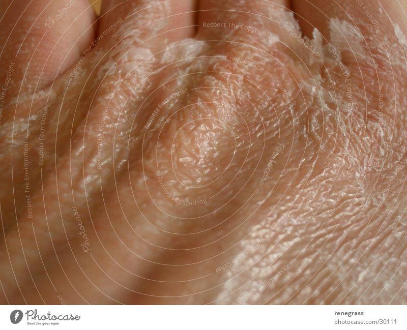 Kleber auf der Haut 1 Mann Hand Klebstoff häuten