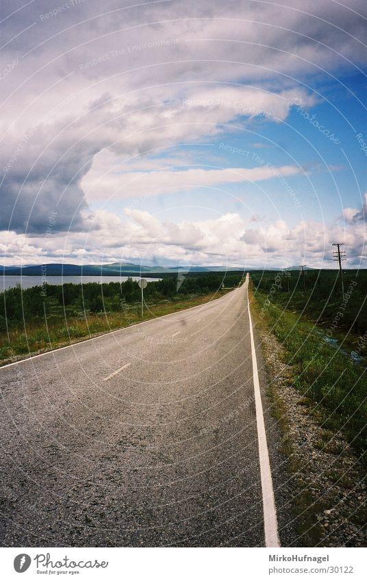 street to nowhere Finnland Skandinavien Ebene Straße Himmel Ferne