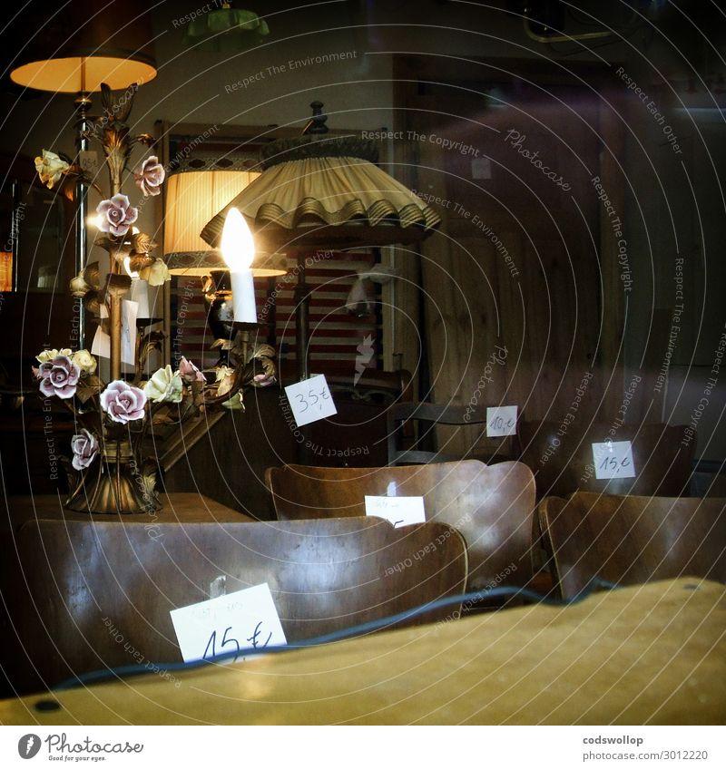 The Old Curiosity Shop kaufen einrichten Dekoration & Verzierung Möbel Lampe Stuhl Tisch Second-Hand Laden Fenster Schaufenster Billig retro trist braun gelb