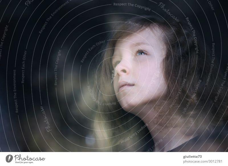 Isolation | Hallo Universum... Kind Mensch Einsamkeit ruhig dunkel Religion & Glaube Liebe Traurigkeit Junge Freiheit träumen nachdenklich Kindheit beobachten