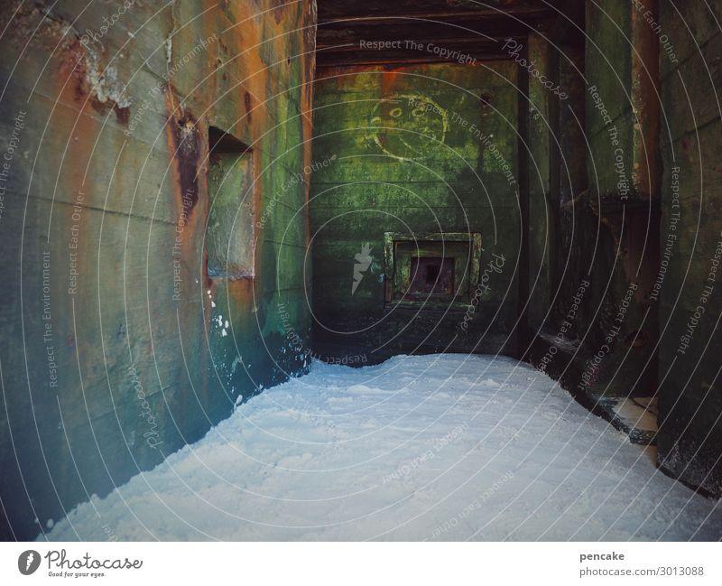 schatten der vergangenheit (2) Architektur Urelemente Erde Sand Küste Strand Nordsee Bauwerk Bunker Mauer Wand Wahrzeichen alt authentisch dunkel Krieg Macht