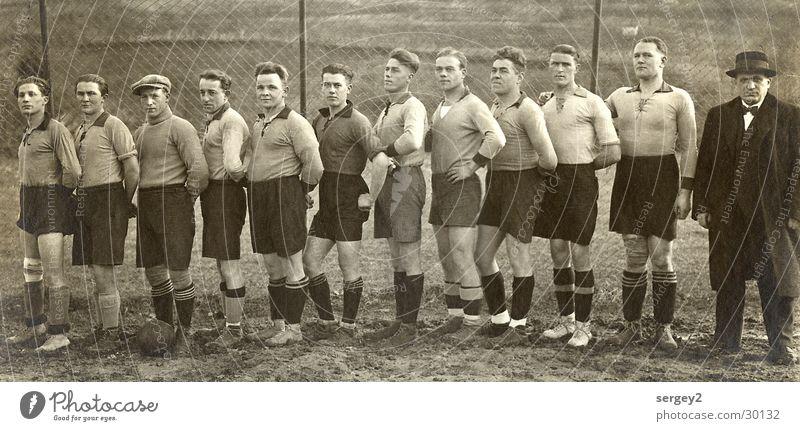 Die Helden von....1933 Mann Sport Fußball retro Ball Mensch