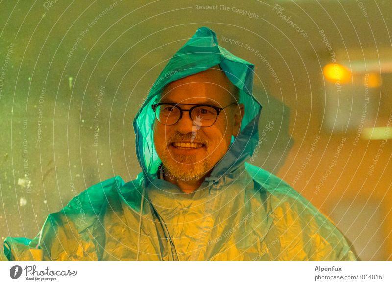 UT Kassel | Schräger Typ IV Mensch Mann Freude Erwachsene Glück Zufriedenheit Regen maskulin 45-60 Jahre Fröhlichkeit Lebensfreude einzigartig Coolness