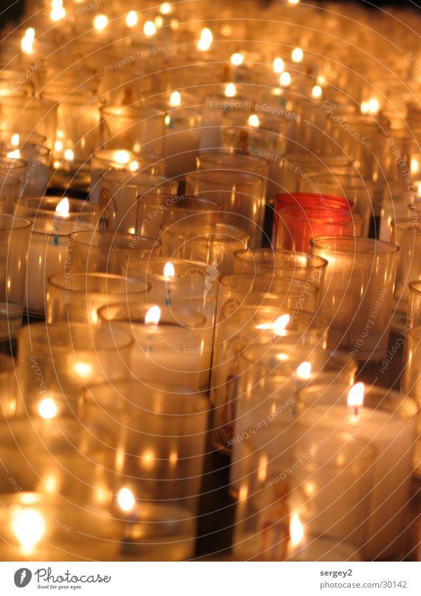 Lichter Kerze gelb brennen Häusliches Leben Religion & Glaube Flamme Brand hell
